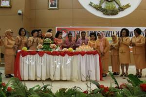 Olly Apresiasi Peran Dharma Wanita Persatuan dalam Pembangunan Sulut