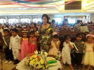 Bunda PAUD Tomohon bersama anak-anak di HAN 2017