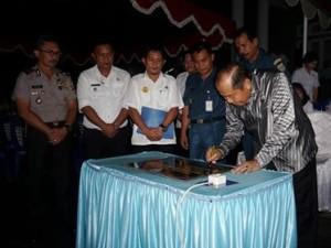 Lomban Resmikan Tugu Zero Point Trans Sulawesi