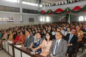 Wali Kota mengikuti Ibadah Natal Yesus Kristus di Jemaat GMIM Maranatha Paslaten