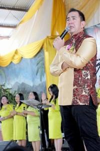 Natal Pemkab Minsel, Pdt Gilbert Lumoindong