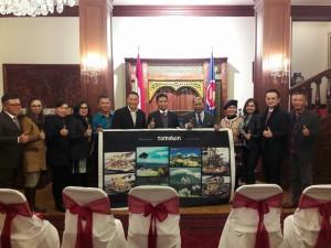 Wali Kota Tomohon, Duta Besar di Ceko, Kapolda Sulut , Wakil Ketua DPRD Tomohon bersama para pejabat Pemkot Tomohon