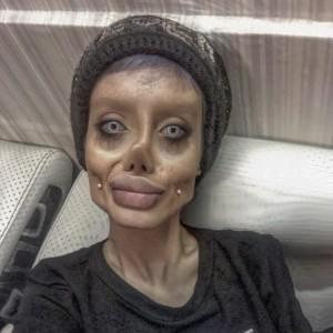 Angelina Jolie, Sahar Tabar,Zombie