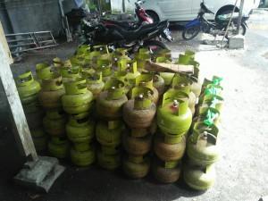 Gas LPG 3 kg di pangkalan yang siap diedarkan