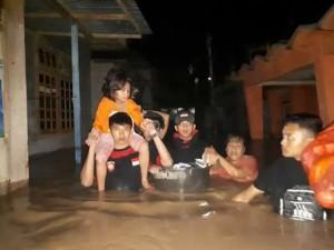"Intensitas Hujan Tinggi, Banjir ""Kepung"" Manado"