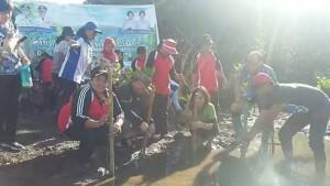 Hari Menanam Pohon Nasional, Dra Khouni Lomban Rawung