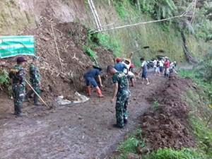 desa Kumelembuai II, Koramil Motoling, Camat Kumelembuai, Michael Kamang Waworuntu SSTP,