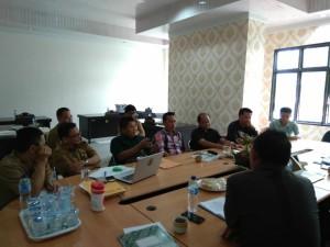 KPU Tomohon saat memberikan penjelasan kepada Komisi I DPRD Tomohon