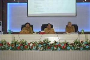 Aarat Pengawas Intern Pemerintah, BPK, Maximiliaan J Lomban