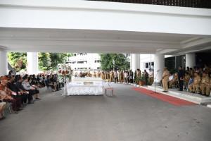 Gubernur Olly Pimpin Upacara Pelepasan Jenazah Alm. Pollycarpus Karambut