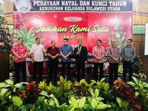 Pimpin Ibadah Kunci Tahun di Tenggarong, Bupati JWS Lantik Pengurus KKSU Kaltim