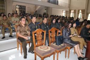 Pejabat di Lingkup Pemkot Tomohon yang menghairi Rapat Paripurna