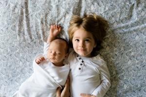 Jika Anak Pertama Paling Pintar, Maka Anak Kedua yang Paling Nakal