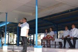 Walikota Max Lomban saat memimpin Apel Perdana Pemkot Bitung di tahun 2018 (ist)