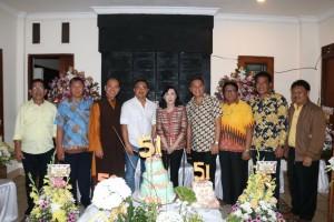 Bersama tokoh-tokoh agama dan tokoh-tokoh masyarakat