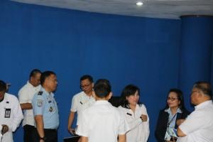 Para pejabat di lingkup Pemkot Tomohon dan tamu dari Kemenkum HAM Sulut dan Imigrasi Manado