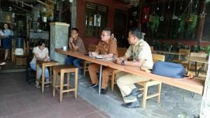 Kabag Humas Michael Joseph SSTP MSi saat memimpin dialog dengan wartawan