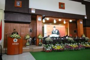 Wali Kota Tomohon Jimmy F Eman SE Ak saat membawakan sambutan di Rapat Paripurna Istimewa HUT Kota Tomohon
