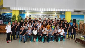 Wali Kota, Anggota DPD-RI, Ketua DPRD serta para peserta Dialog Pemuda Lintas Agama
