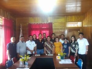 Senator SBAN Liow bersama pengurus KONI dan Pengcab