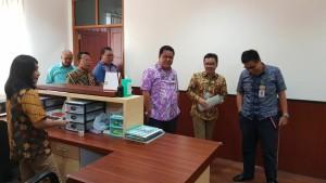 Senator Stefanus BASN Liow saat kunjungan kerja di RS Prof Kandou