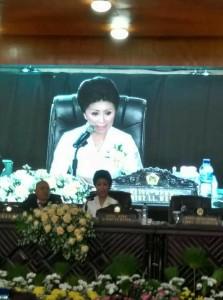 Ketua DPRD Tomohon Ir Miky JL Wenur saat memimpin Rapat Paripurna Istimewa dalam rangka HUT ke-15 Kota Tomohon