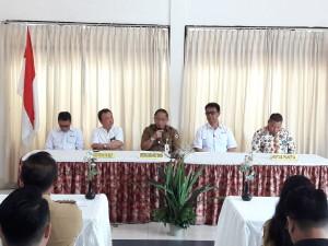 Sekretaris Kota Tomohon saat membuka Muskot PMI Tomohon