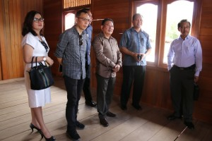 Kunjungan di Rumah Panggung Woloan