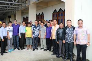 Ketua Komisi P/KB GMIM, Wali Kota Tomohon dan peserta Sosialisais program usai kegiatan