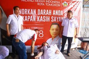 SAS mendonorkan  darah
