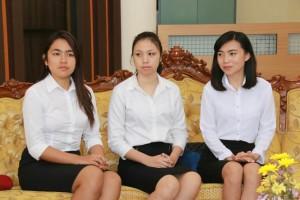 Tiga calon pramugari yang akan ikut Diklat di BP3 Palembang