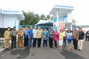 Wali Kota Tomohon bersama owner dan Wakil Ketua DPRD Minahasa serta para pejabat Tomohon