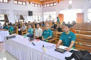 Suasana ibadah pembukaan ToT Remaja Sinode GMIM