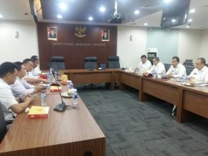 Wali Kota Tomohon dan romboingan audiens dengan Dirjen Imigrasi