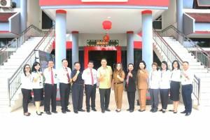 Wali Kota dan Wakil Wali Kota bersama jajaran Kantor Pajak