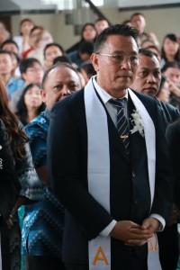 Pnt Jimmy F Eman SE Ak yang dilantik sebagai Ketua Komisi P/KB Wilayah Tomohon Satu
