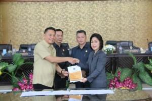 Wali Kota Tomohon, Ketua DPRD didampingi dua wakil ketua