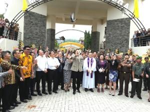 Wali Kota Tomohon Resmikan Menara Alfa-Omega