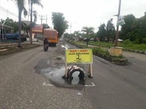 Jalan Trans Sulawesi,  Jalan Trans Sulawesi rusak