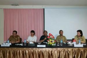 Sekretaris Kota Tomohon saat membewrikan sambutan