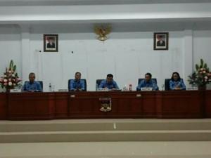 - Penjabat Bupati Minahasa ,Drs Royke H Mewoh DEA, Rapat Dinas