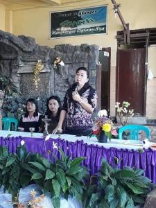 Kadis Dikbud Dr JUliana Dolvin Karwur MKes MSi saat membuka OSN tingkat SMP