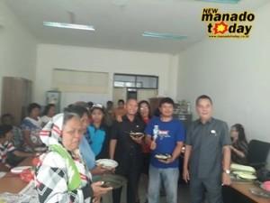 Usai RDP, Warga Kelurahan Bitung Makan Bersama Dengan Anggota DPRD Minsel