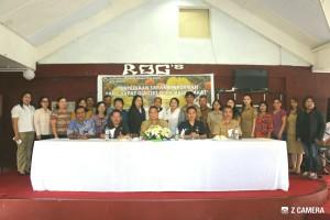 Wali Kota Tomohon foto bersama peserta kegiatan