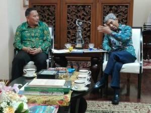 Wakil menteri Luar Negeri M Fachir sata menerima Wali Kota Tomohon Jimmy F Eman SE Ak