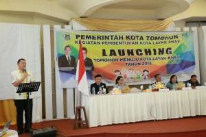 Wali Kota Tomohon saat mencanangkan Pembentukan Kota Layan Anak