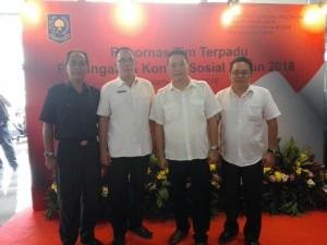 Wali Kota Tomohon didampingi Kaban Kesbangpol dan Kabag Humas dan Protokol