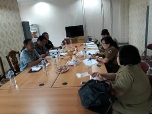 Pembahasan Pansus PIPKPM DPRD Tomohon  dengan instansi terkait