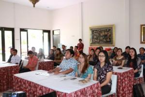 Peserta kegiatan peningkatan kualitas petugas penyalur bantuan sosial