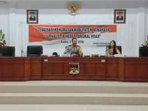 Jurnalis Tangkal Berita Hoax, Humas Setdakab Minahasa, Daine Lantang SE,
